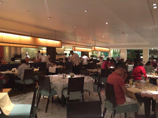 Trident, Nariman Point: Frangipani Restaurant