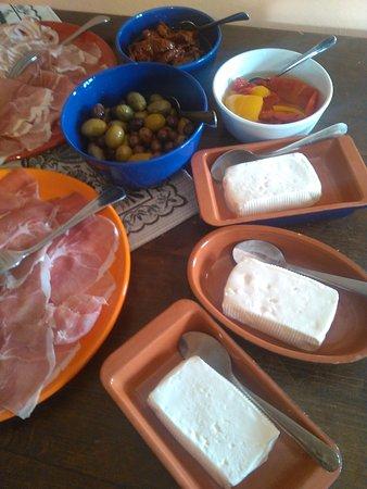 Vicchio, İtalya: coccoli,affettati,sottoli e stracchino