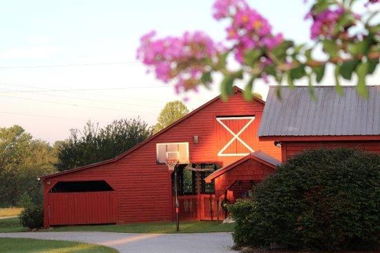 Salem, SC: Livestock barn