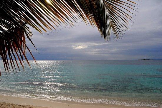 Capesterre, Guadeloupe: La plage de Vieux-fort devant l'îlet