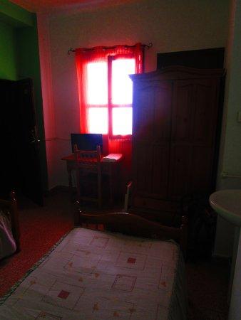 Hostal Ronda Sol: Vista verso la finestra