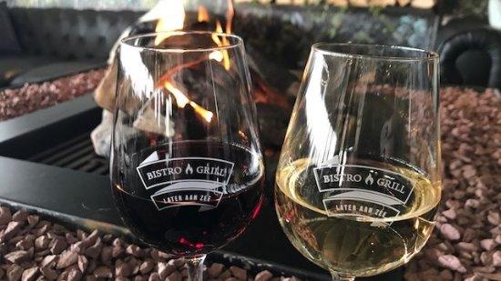 Wij serveren verschillende soorten wijn per glas