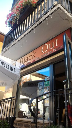 Predazzo, Italie : Black out