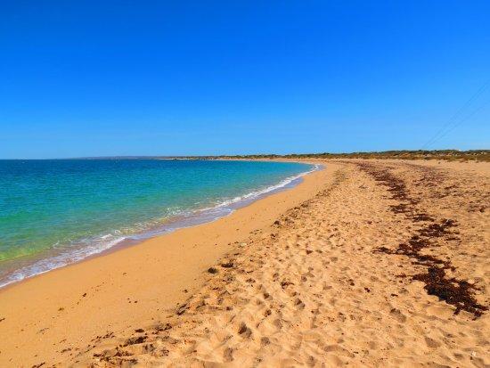 Bundegi Beach