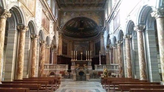 Interno Chiesa Foto Di Basilica San Marco Evangelista