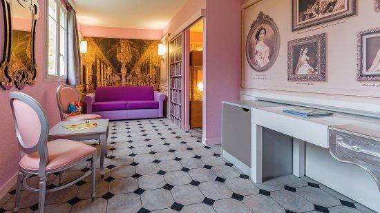 Explorers Hotel: Family Princess Suite