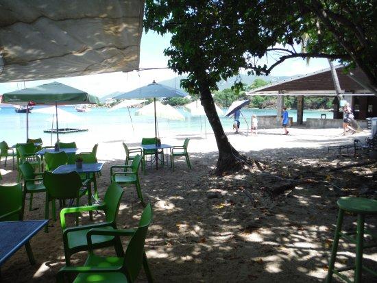 Остров Уотер, Сент- Томас: Dinghy's on the beach, Water Island