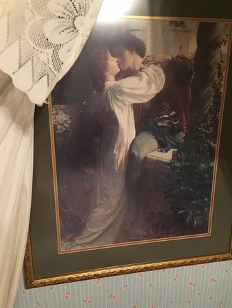 Madison, Μέιν: A place for old-time romance! (this hangs over the bed in Lana Turner's boudoir at Colony House