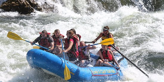 Ratnapura, Sri Lanka: you can do water rafting in kitulgala