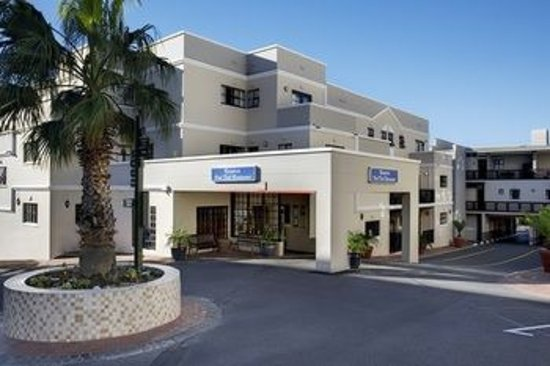 Best Western Cape Suites Hotel: FRONT OF HOTEL