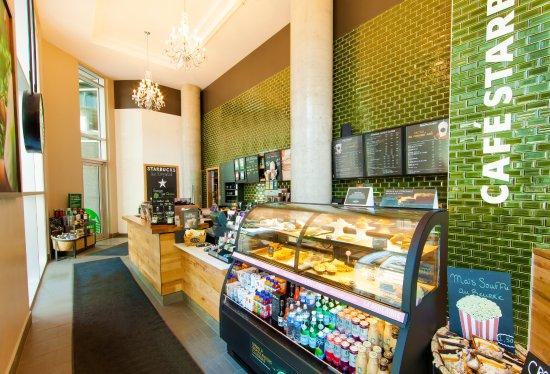 Hotel Le Crystal: Starbucks