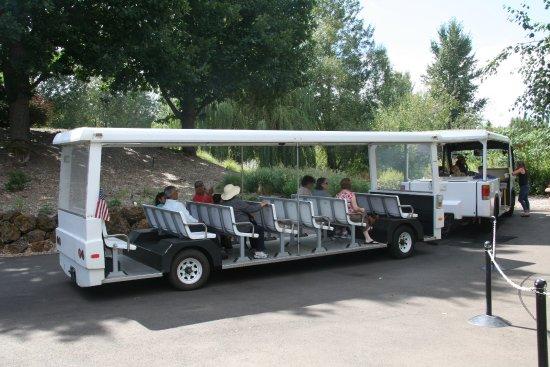 Oregon Garden: take the tram