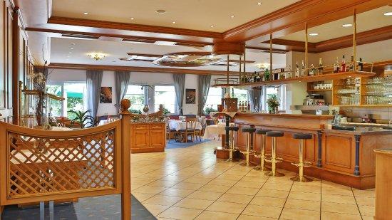 Gomaringen, Germany: Blick ins Restaurant vom Eingang aus