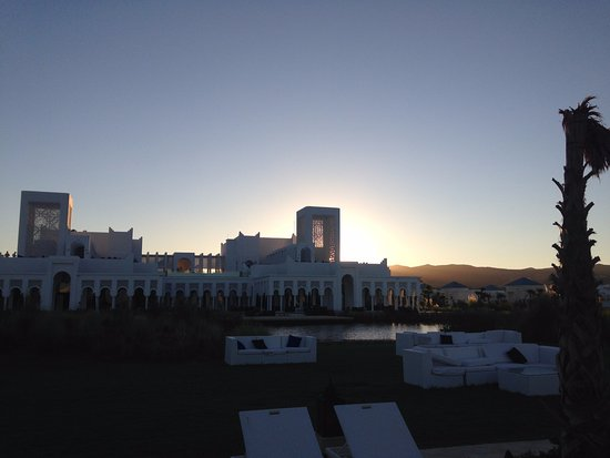 Fnideq, Marruecos: View of main building at sunset, taken from Azura restaurant