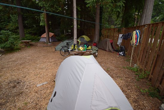 Roberts Creek, Canada: Tent area for backpackers or bike tourists