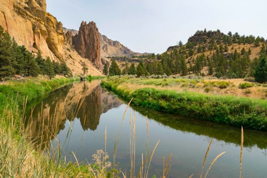 Smith Rock State Park: Coming back around the river trail.