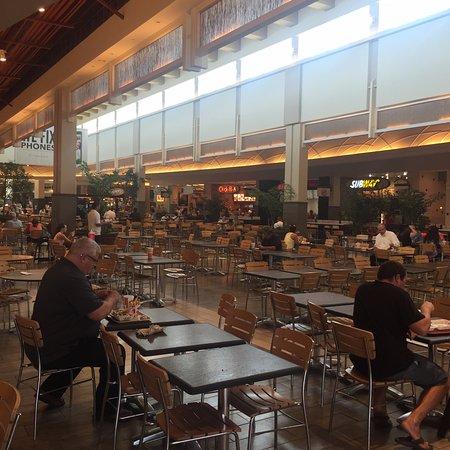 Coastland Center: FoodCourt
