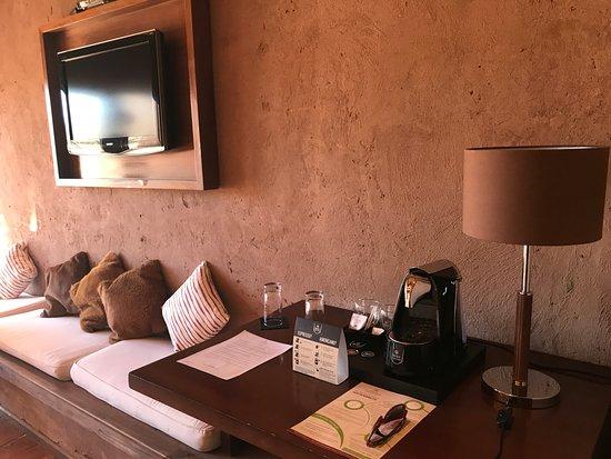 Hotel Cumbres San Pedro de Atacama: cafeteira com 3 cápsulas cortesia