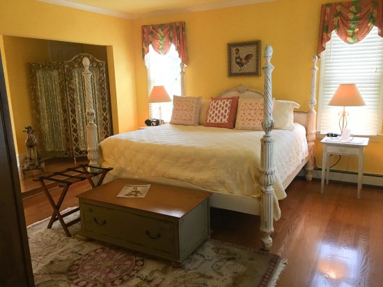Boyce, VA: Lovely decorated bedroom; spacious and clean!