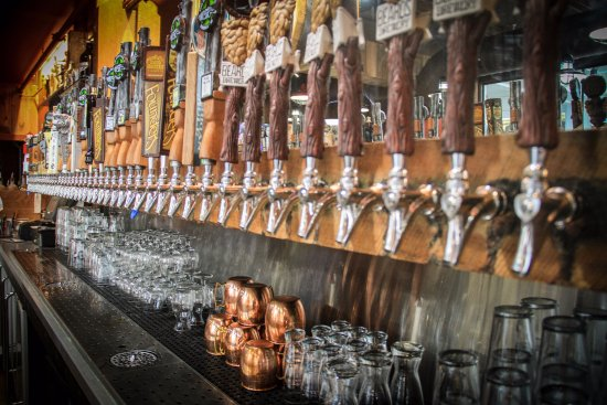Mary's Bistro Draught House : 50 Craft Beers on Tap