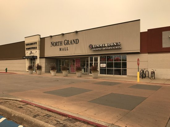 ‪North Grand Mall‬