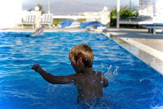 Margarita Studios: pool fun