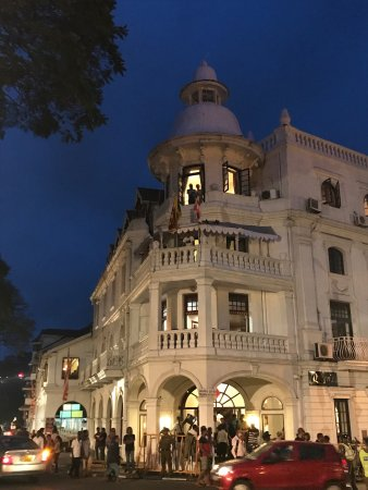 Queens Hotel Kandy: photo1.jpg