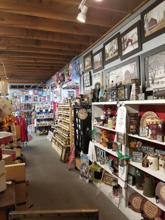 Clayton, Carolina del Norte: Very general store feel inside.
