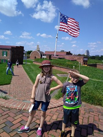 Fort McHenry National Monument: Perfect day to visit the Fort, the sun was shining, the sky was blue and the flag was waving.