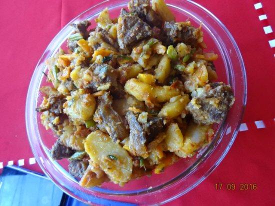 Kumbo, الكاميرون: The Bar/Restaurant at Shu-Shey's Central Inn, Mbve Central Market Square