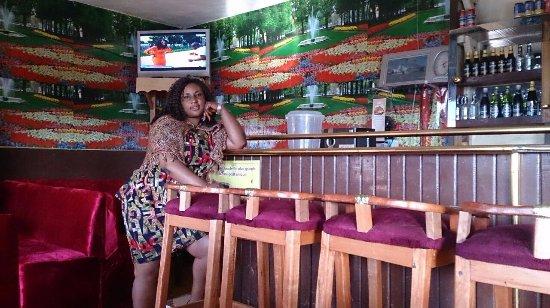 Kumbo, الكاميرون: The Bar at Shu-Shey's Central Inn