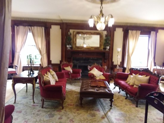 Shafer Baillie Mansion: Parlor
