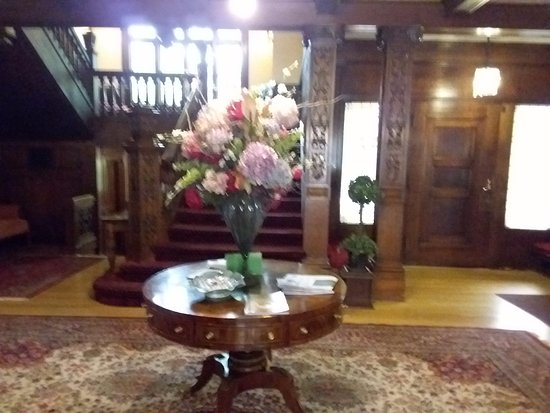 ‪‪Shafer Baillie Mansion Bed and Breakfast‬: Foyer‬