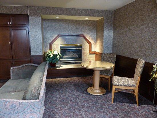 Fairbanks Princess Riverside Lodge: Fairbanks Princess 2nd Floor Lounge, 2016