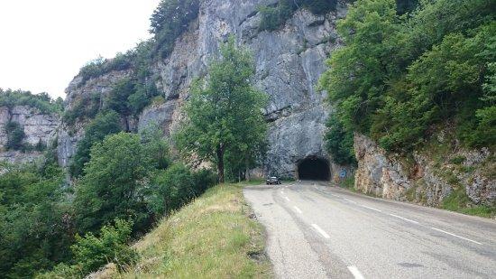 Saint-Jean-en-Royans, Francia: Route magnifique à ne manquer sous aucun prétexte !