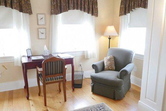 Newburyport, MA: Suite 4