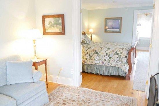 Newburyport, MA: Suite 5