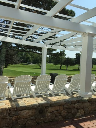 Farm Neck Golf Club: Beautiful course!  The service & staff was good.  The food was very good - we had chowder and sa