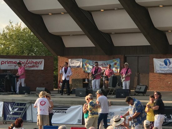 Bay City, MI: Wednesday's in the Park concerts