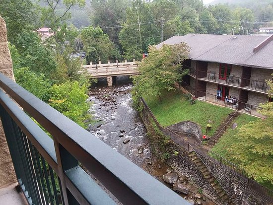 Old Creek Lodge: View from our 4th floor balcony