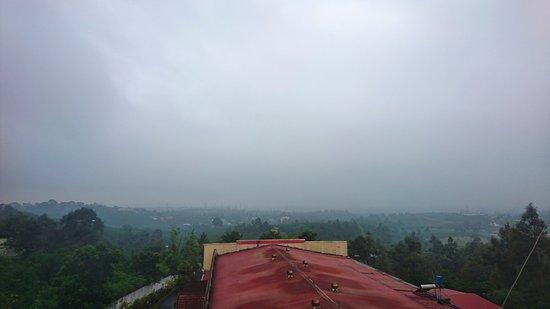 Bao Loc, Vietnam: Quang cảnh buổi sáng đầy sương mù khá đẹp