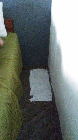 Fort Oglethorpe, GA: Towel put down due to some sort of leak.