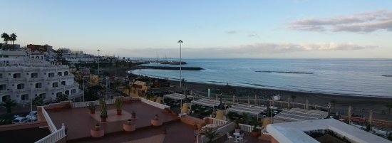 Playa de Fanabe, Spain: Uitzicht op porto colon