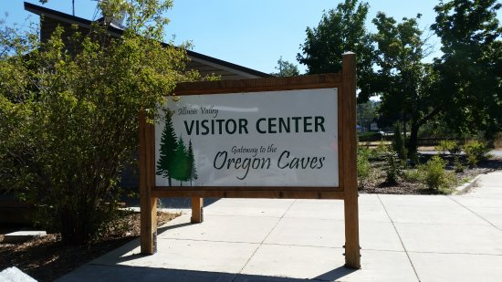 Illinois Valley Visitor Center: Welcome sign