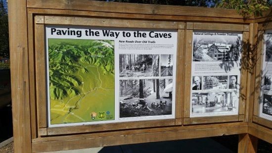 Illinois Valley Visitor Center: Paving the Way to the Caves