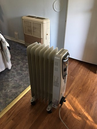 Eagle River, WI: Two heaters. One is portable if you need to bring it onto the front porch or into the bathroom.