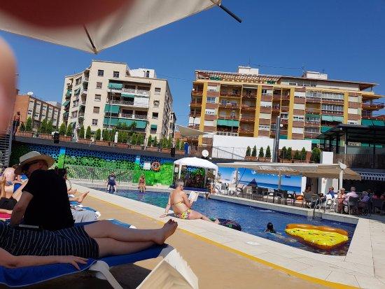 Hotel Maya Alicante: Pool area