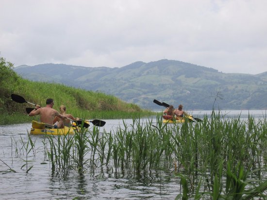 Arenal Kayaks: kayaking at lake Arenal