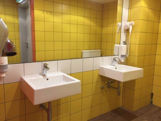 Il bagno comune picture of dream hostel warsaw warsaw tripadvisor