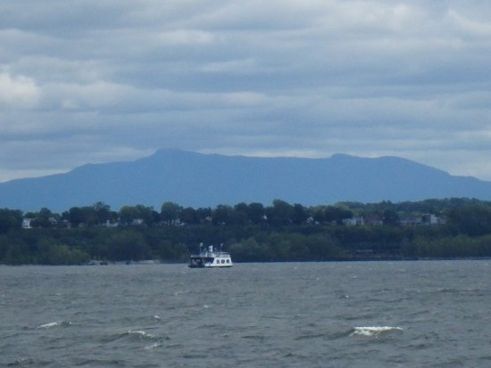 Spirit of Ethan Allen : View of Mount Mansfield from the boat